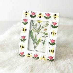 Vintage Cottagecore Bee & Tulip Ceramic Frame